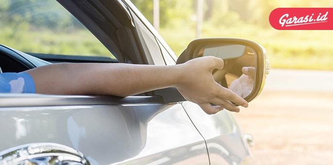 Kerap Luput Dari Perhatian, Ini Cara Tepat Membersihkan Spion Mobil