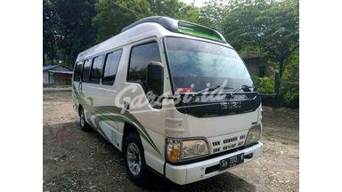 2015 Isuzu Elf Minibus - Siap Pakai