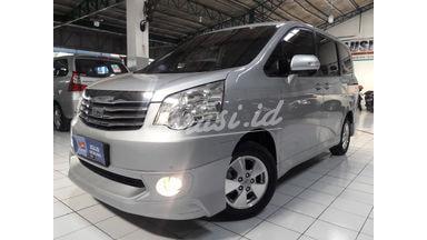 2013 Toyota Nav1 V - Siap Pakai low KM servis record