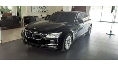 2013 BMW 7 Series 750 Li Turbo Charge - Mobil Pilihan