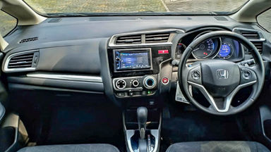 2014 Honda Jazz RS - Mobil Pilihan (s-5)