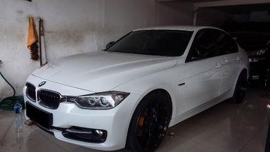 2014 BMW 3 Series 320i - Mobil Pilihan (s-1)