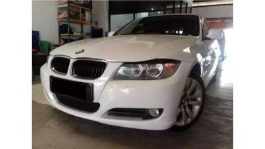 2011 BMW 3 Series 320i - Warna Favorit & Siap Pakai