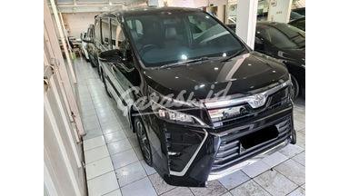2018 Toyota Voxy - Mobil Pilihan
