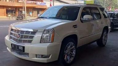 2011 Cadillac Escalade - Barang Bagus Dan Harga Menarik