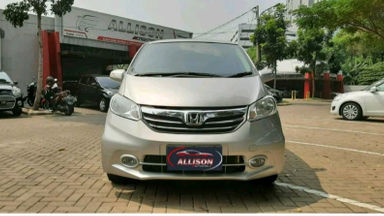 2014 Honda Freed PSD - istimewa (s-0)