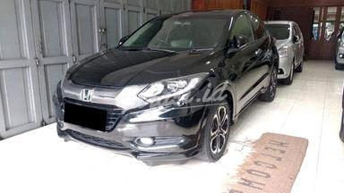 2015 Honda HR-V 1.8 Prestige - Mobil Pilihan