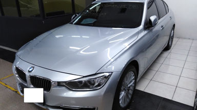 2013 BMW 3 Series Luxury - Good Contition Like New