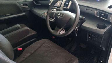 2013 Honda Freed E PSD AT - Good Condition (s-2)