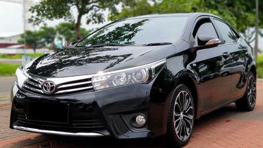 2014 Toyota Corolla Altis V - Mobil Pilihan