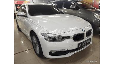 2018 BMW 3 Series 320i Luxury - TDP nego Simulasi kredit tersedia