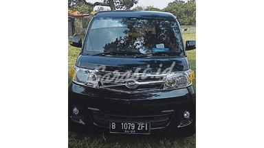 2012 Daihatsu Luxio X - Fitur Mobil Lengkap