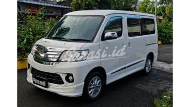 2017 Daihatsu Luxio X