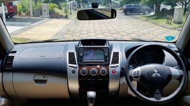 2015 Mitsubishi Pajero Sport EXCEED - Istimewa siap pakai (s-8)