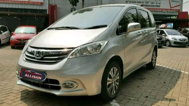 2014 Honda Freed PSD - istimewa (s-2)