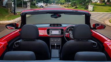 2013 Volkswagen Beetle - New Convertable - Mobil Pilihan (s-5)