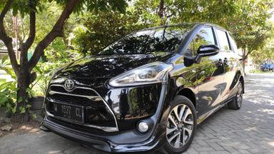 2017 Toyota Sienta Q - Hitam istimewa