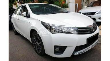 2015 Toyota Corolla Altis V - Mobil Pilihan