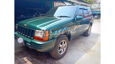 2002 Jeep Cherokee 4x4 - Siap Pakai