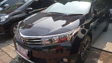 2015 Toyota Corolla Altis V - Favorit Dan Istimewa