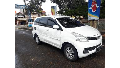 2015 Daihatsu Xenia R deluxe - Nego Tipis