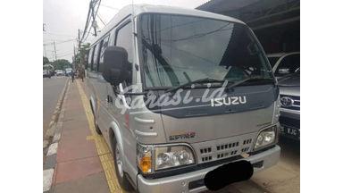 2013 Isuzu Elf Minibus 2.8 - Siap Pakai
