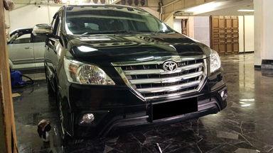 2014 Toyota Kijang Innova V - Mobil Pilihan (s-1)