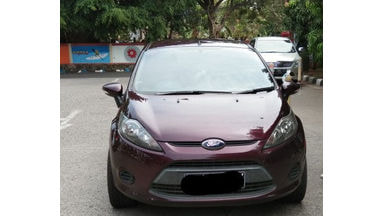 2010 Ford Fiesta L - kondisi bagus