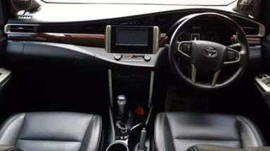 2017 Toyota Kijang Innova Venturer AT - Istimewa Siap Pakai (s-1)