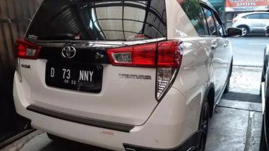 2017 Toyota Kijang Innova Venturer AT - Istimewa Siap Pakai (s-5)