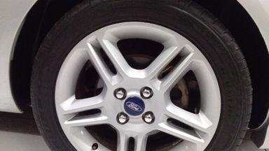 2012 Ford C-Max S Limited - Barang Bagus Siap Pakai (s-4)