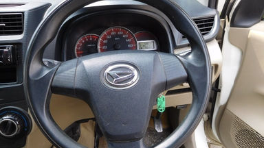 2012 Daihatsu Xenia R DELUXE 1.3 - Warna Favorit, Harga Terjangkau (s-3)