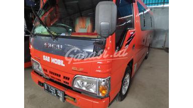 2015 Isuzu Elf Minibus mt - Unit Super Istimewa