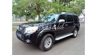 2013 Ford New Everest 2.5 L MINIBUS