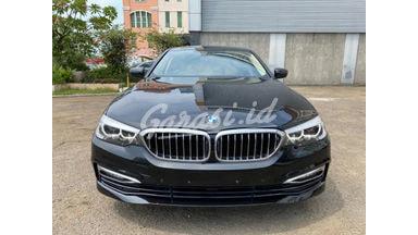 2018 BMW 520i Luxury - Luxury Black On Beige Istimewa Warranty