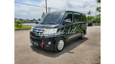 2012 Daihatsu Luxio X