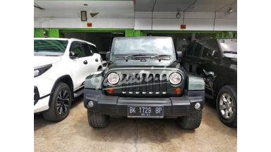 2011 Jeep Wrangler 3.8 SAHARA - Terawat Mulus