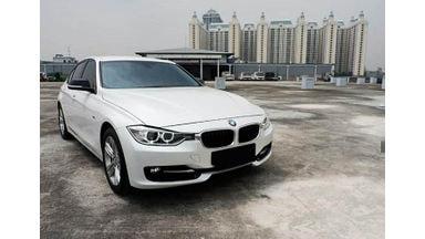 2015 BMW 3 Series 320i - Mobil Pilihan