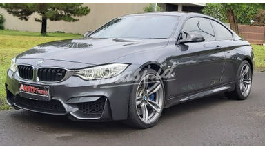 2015 BMW M Series M4 COUPE