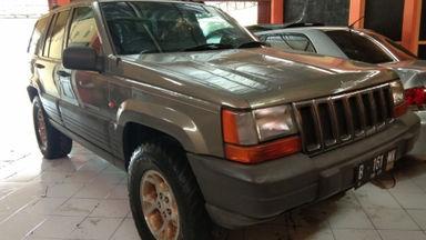 2002 Jeep Grand Cherokee 4X4 - Barang Istimewa Dan Harga Menarik
