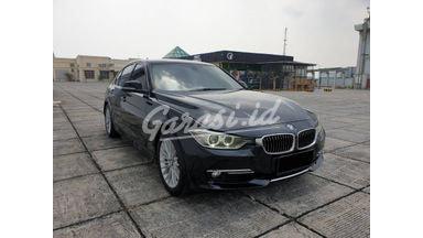 2012 BMW 320i 320i F30 Luxury