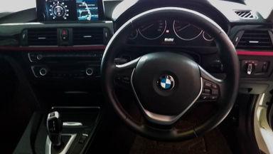 2014 BMW 3 Series 320i - Mobil Pilihan (s-4)
