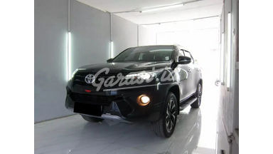 2018 Toyota Fortuner VRZ TRD - Mobil Pilihan