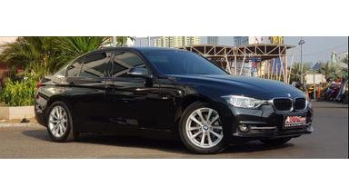 2016 BMW 3 Series 320i - Istimewa
