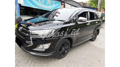 2017 Toyota Kijang Innova Venturer 2.0 - Mobil Pilihan