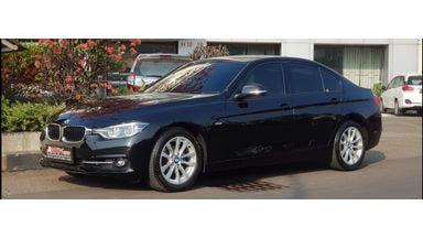 2016 BMW 3 Series 320i LCi SPORT - Unit Super Istimewa