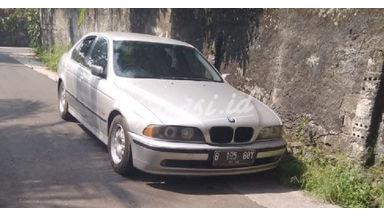 1997 BMW 5 Series 528i E39 - KTP Luar Kota Bisa Dibantu
