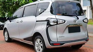 2017 Toyota Sienta G - Mobil Pilihan (s-2)