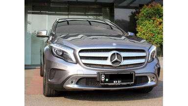 2015 Mercedes Benz GLA URBAN - SANGAT TERAWAT & TINGGAL PAKAI