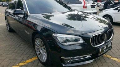 2015 BMW 730Li AT - istimewa